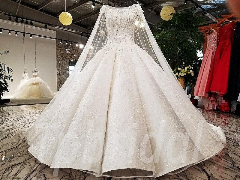 Long Train Wedding Dress Sale Online 2018