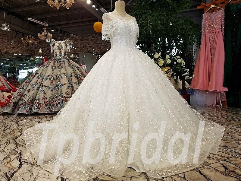 Ivory Ball Gown Wedding Dress: Ball Gown Wedding Dress With Bling Off Shoulder Ivory